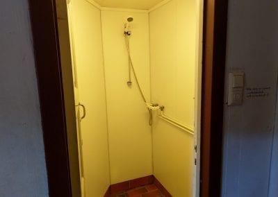 Dusj med låsbar dør